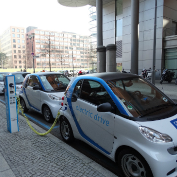 EU aims to become powerhouse of battery production and recycling